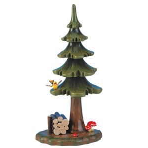 Sommerbaum-mit-Holzstapel